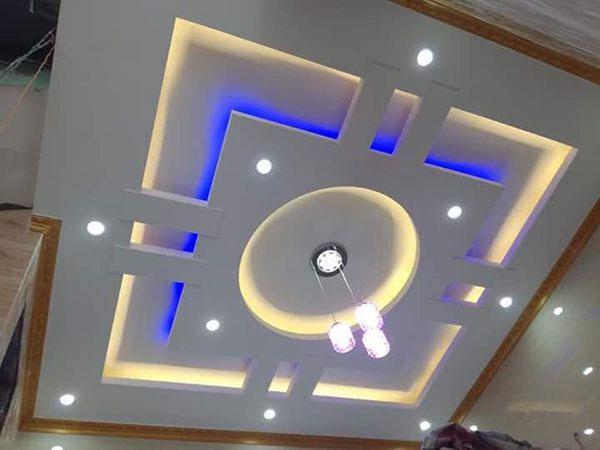 Trần thạch cao kết hợp với đèn led mang lại vẻ đẹp sang trọng cho căn phòng.