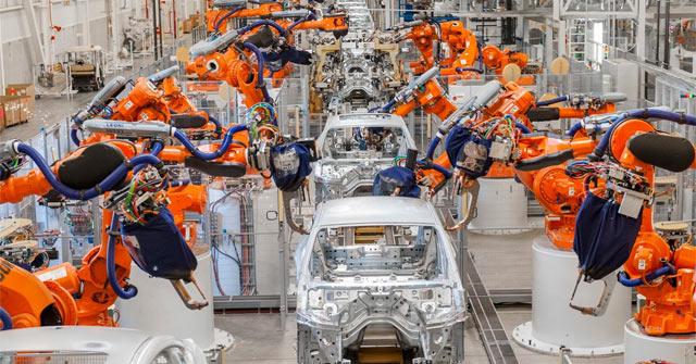 Cận cảnh đội quân robot sản xuất 1.000 chiếc ôtô mỗi ngày - Quantrimang.com