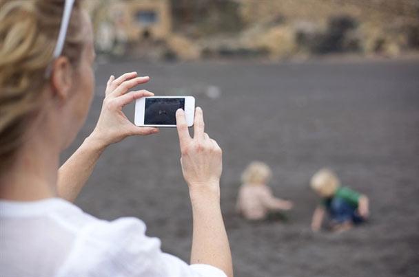 Đăng ảnh con trẻ lên mạng xã hội có thể xâm phạm quyền riêng tư của con bạn
