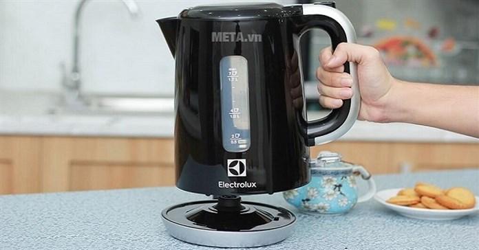 Ấm đun nước siêu tốc loại nào tốt, giá rẻ nên mua nhất hiện nay?