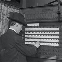 Lịch sử 'công nghệ bỏ phiếu' của nước Mỹ qua từng thời kỳ: Từ lời nói đến màn hình cảm ứng