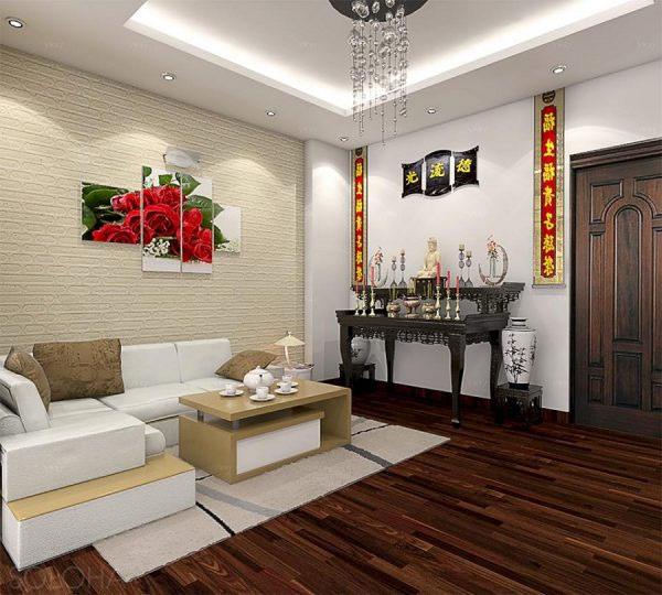 Một góc tường với gam màu nâu gụ được thiết kế riêng cho không gian thờ cúng