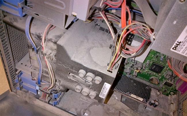 Làm sạch bên trong máy tính
