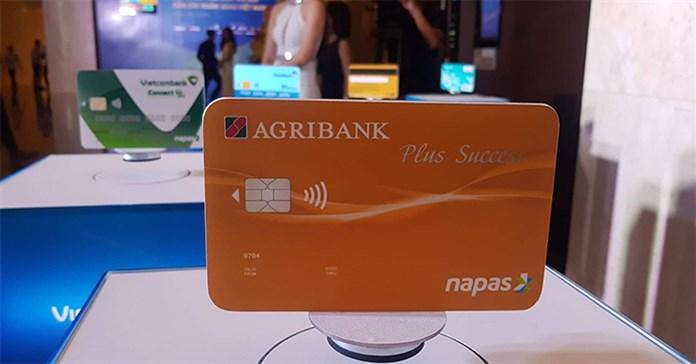 Thẻ ATM gắn chip là gì? Tại sao nên dùng thẻ gắn chip?