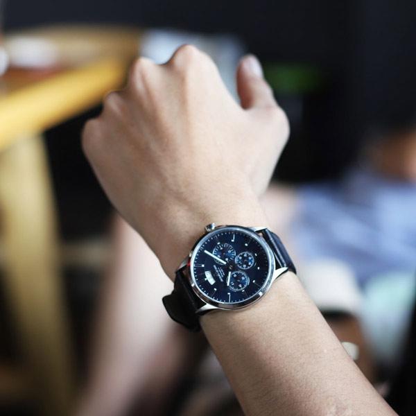 99,9% đồng hồ hiện nay được thiết kế dành cho việc đeo tay trái