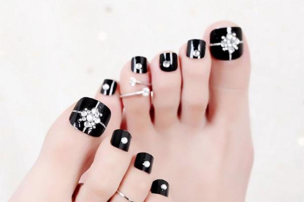 Mẫu nail chân đẹp 5