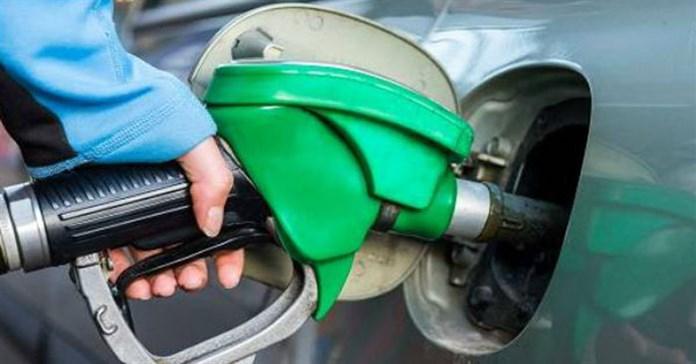 Đổ xăng đầy bình là dại, vừa hỏng xe, phí tiền lại ô nhiễm môi trường