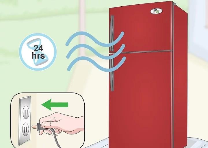 Để sơn khô trong vòng 24 giờ trước khi cắm lại tủ lạnh