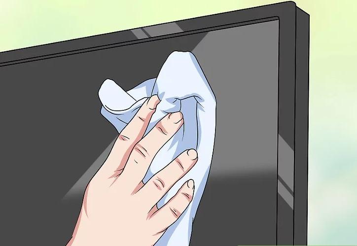 Dùng miếng vải sạch khác để lau khô màn hình