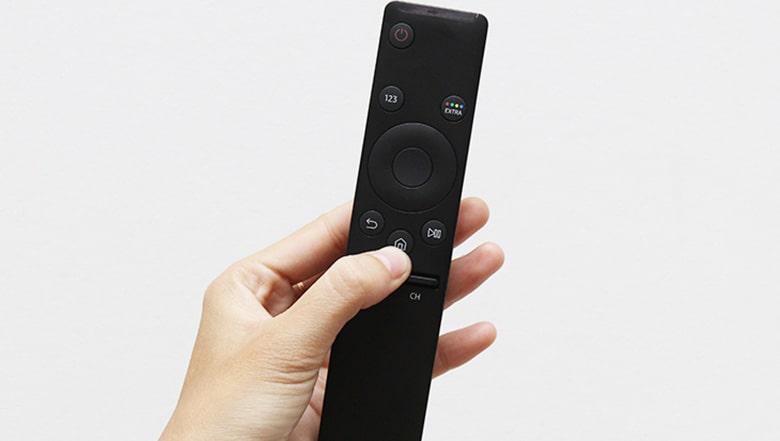 Chọn nút Home (hình ngôi nhà) trên điều khiển tivi