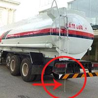 Tại sao xe bồn chở xăng, dầu treo một sợi dây xích dài ở phía sau?