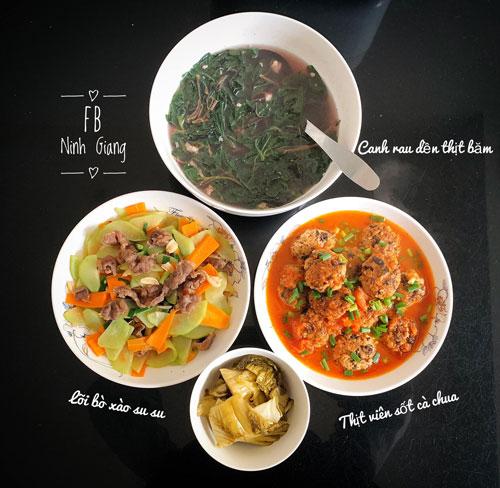 Canh rau dền thịt băm, lõi bò xào su su, thịt viên sốt cà chua.
