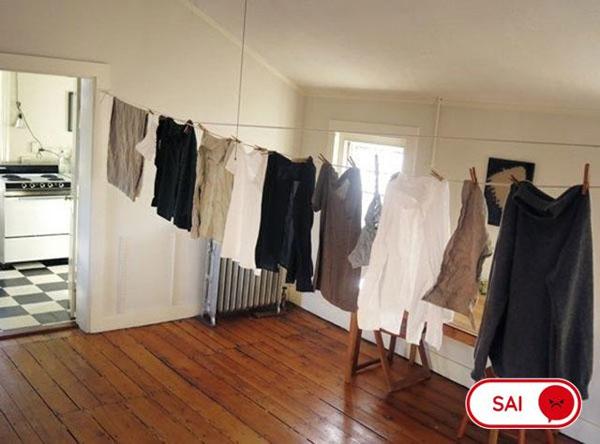 Phơi quần áo ướt trong nhà
