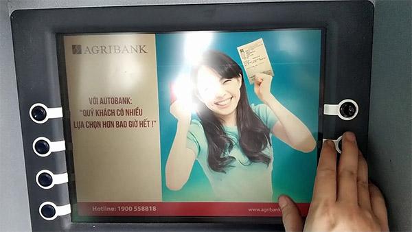 Hướng dẫn rút tiền ATM Agribank chi tiết nhất