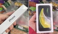 Đặt mua táo trên mạng, người đàn ông này bỗng nhiên nhận được iPhone