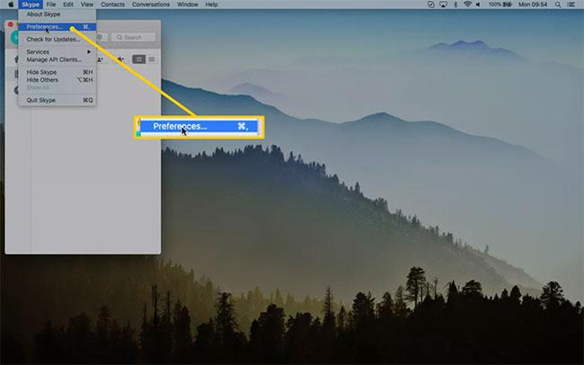 Chọn Preferences (Mac) hoặc Options (Windows)