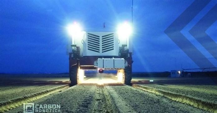 Cỗ máy diệt cỏ dại bằng tia laser gấp 20 lần sức người