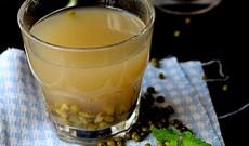 Cách làm nước đậu xanh rang và công dụng tuyệt vời của nó