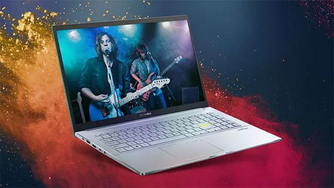 Asus VivoBook S15 đi kèm với bộ vi xử lý Intel i7-1165G7 thế hệ thứ 11 mới nhất
