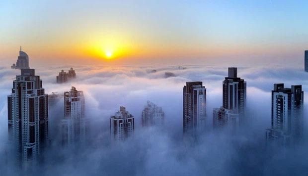 Nếu được sống trong một căn hộ áp mái tầng 50 như thế này, bạn sẽ được tận hưởng cảm giác thức dậy trên 9 tầng mây.