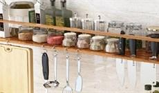 Kệ đựng gia vị nhà bếp có những loại nào? Nên mua loại nào tốt?