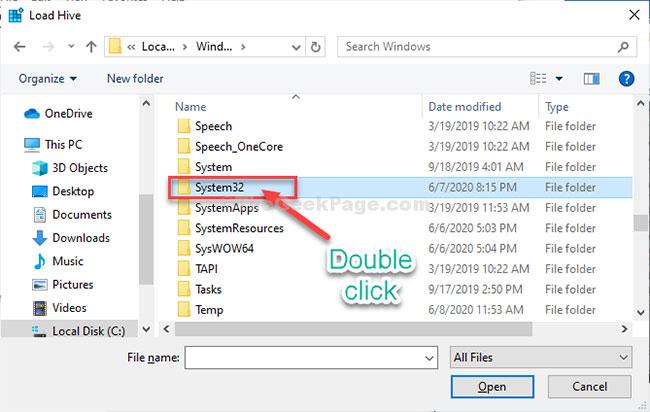 """Tìm thư mục """"System32"""" và truy cập nó"""