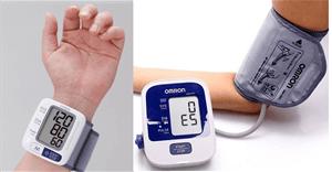 Nên mua máy đo huyết áp cổ tay hay bắp tay, loại nào tốt hơn?