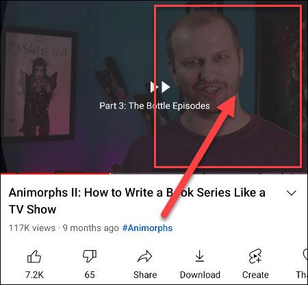Nhấn đúp bằng hai ngón tay để bỏ qua một phân đoạn trong video