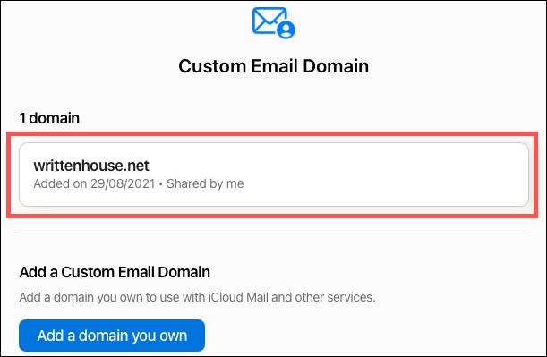 "Nhấp vào ""Use (hoặc Manage) Custom Email Aliases"""