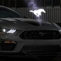 Xe Ford sẽ có logo 3D lơ lửng giữa không trung và phát sáng