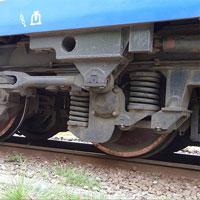 Cận cảnh quá trình thay bánh xe lửa