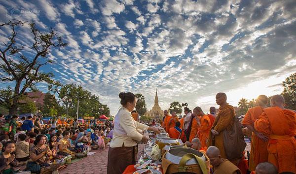 Trung Thu tại Lào