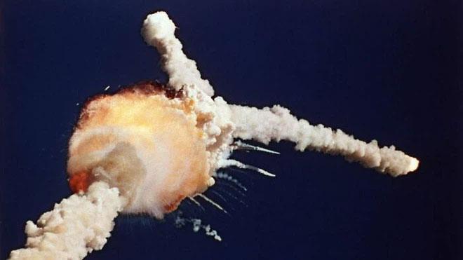 Năm 2003, một miếng bọt cách nhiệt đã khiến tàu con thoi Columbia phát nổ. Sự cố khiến 7 phi hành gia thiệt mạng.