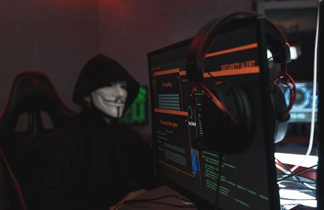 Hacker xuất hiện cùng với sự phổ biến của máy tính