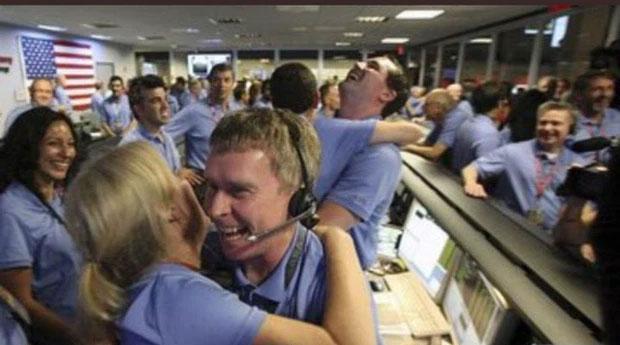 Niềm vui, niềm hạnh phúc vỡ òa tại trụ sở Twitter vào đêm qua.