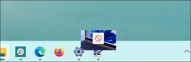 Taskbar trên Windows 11 không hỗ trợ thao tác kéo thả