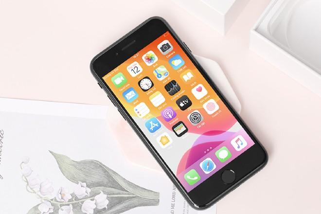 iPhone SE 2 có nên nâng cấp iOS 15 hay không?