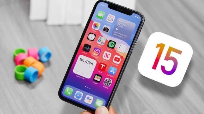 iPhone X có nên lên iOS 15 không?